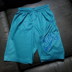 Boys Nike SB athletic shorts large